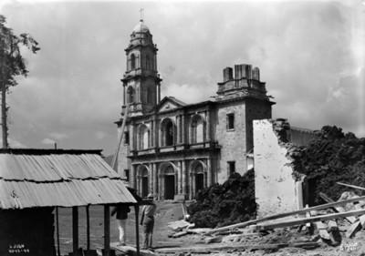"""Iglesia de """"San Juan"""" aun la lava no la ha rodeado"""