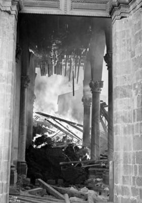 """Ruinas de la iglesia de """"San Juan"""" derruida por la erupción de """"El Paricutín"""""""