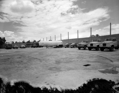 Autos en estacionamiento