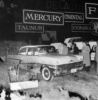 """Automóvil """"MERCURY SEPAN"""" en exhibición"""