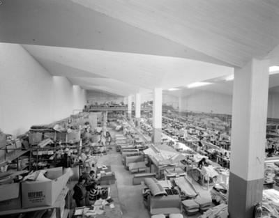 Fábrica textil interior, vista general