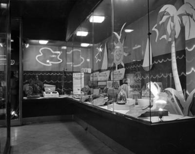 Aparatos electrodomésticos General Electric en aparador de tienda