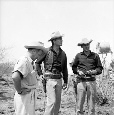 Actores en locación durante filmación de película