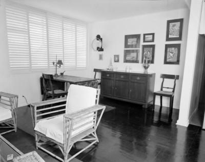 Sala comedor de una casa, vista parcial