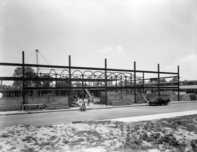 Trabajadores durante construcción de un edificio