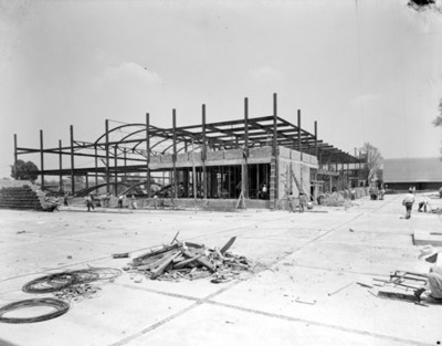 Trabajadores durante la construcción de un edificio
