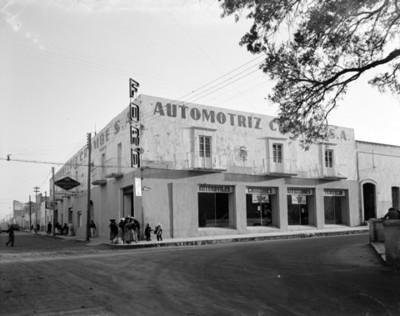 Ford Automotriz Crombe, S.A., fachada de dos lados