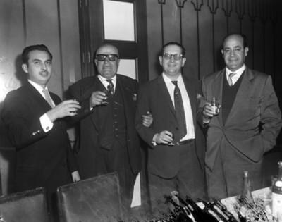 Ejecutivos en el Club Asturiano, retrato