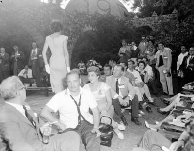 Gente durante la III Reunión Mundial, vista parcial