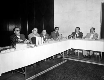 Hombre dirige unas palabras durante la XII Convención de la ANDA