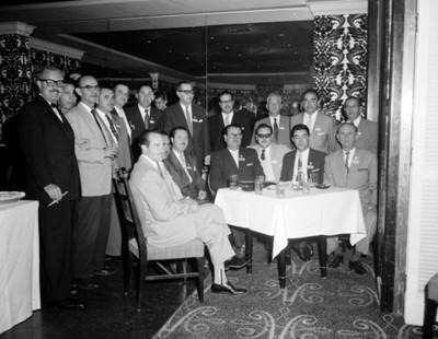 Empresarios en un evento de la XII Convenciçon de la ANDA, retrato de grupo