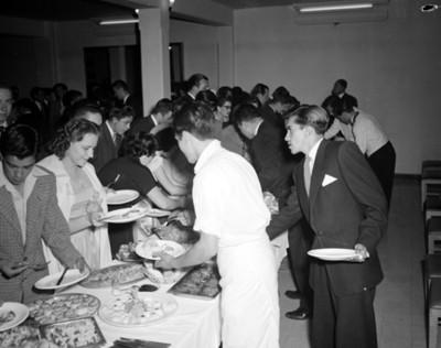 Gente durante banquete