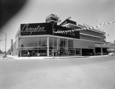 Agencia Chrysler, fachada