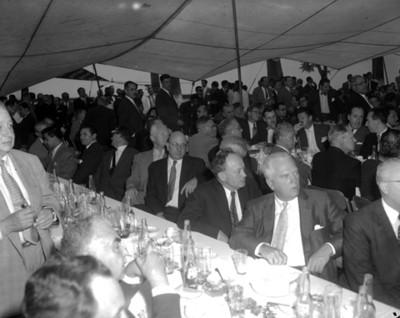 Empresarios conviven durante evento de la General Popo