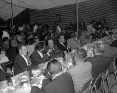 Empresarios durante evento de la General Popo