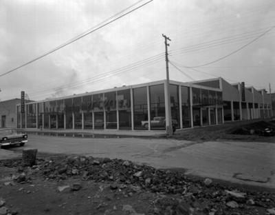 Agencia automotríz Durkin Merced S.A., fachada