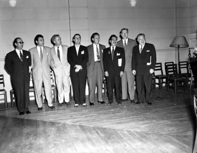Ignacio Martinez Durán y ejecutivos, retrato de grupo