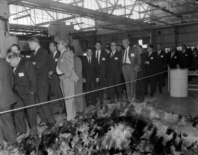 Empresarios recorren la manufacturera EATON durante inauguración