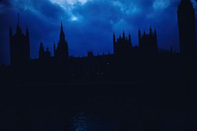 Edificio del Parlamento, toma nocturna