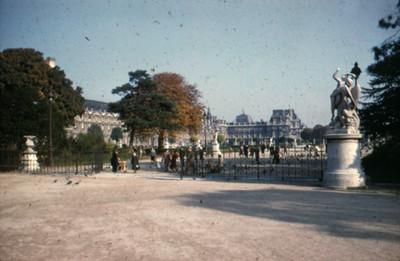 Palacio de Louvre, vista parcial