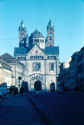 Fachada principal de la catedral de Speyer