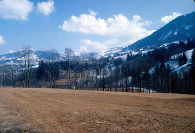 Villa alpina en zona seminevada, paisaje