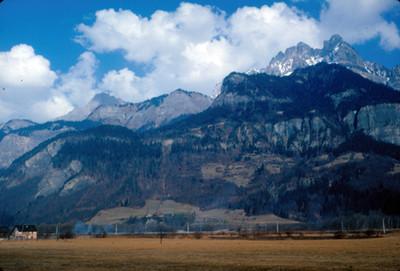 Valle de Chamonix, frente al macizo de Mont-Blanc