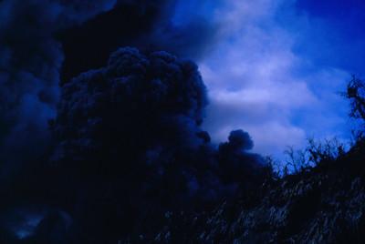 Emision de gases del volcan Poas