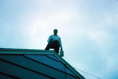 Arsen Yakoubian en la azotea de una casa