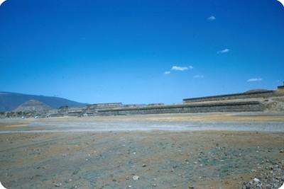 Teotihuacan, Calzada de los Muertos, vista general