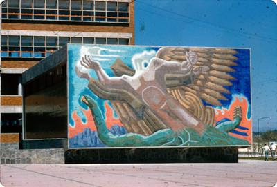 NH La superacion del hombre por medio de la culturaNH, mural de la Facultad de Odontologia, UNAM