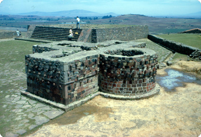 Basamento cruciforme y Templo de Tlaloc, Grupo B de Calixtlahuaca