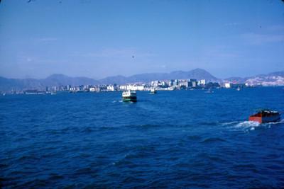 Ciudad, vista desde el mar, paisaje