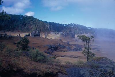 NH Piedras EncimadasNH, paisaje con neblina