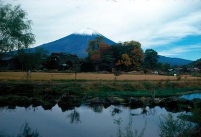 Volcan Pico de Orizaba y lago, paisaje