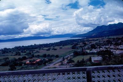 Vista de varias casas habitacion desde balcon