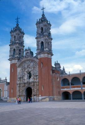 Iglesia de Nuestra Señora de Ocotlan, fachada