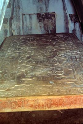 Lapida de la tumba de Pakal, en el Templo de las Inscripciones