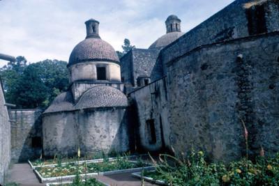 Jardines del templo de San Pablo en Mitla
