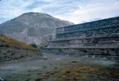 Piramide de la Luna en Teotihuacan