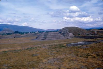 Ciudadela y Piramide de la Luna, Teotihuacan