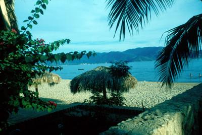 Palapa en la playa, paisaje