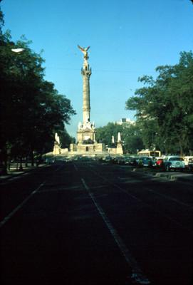 Columna de la Independencia en Paseo de la Reforma