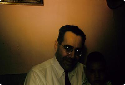 Hombre con niño, retrato