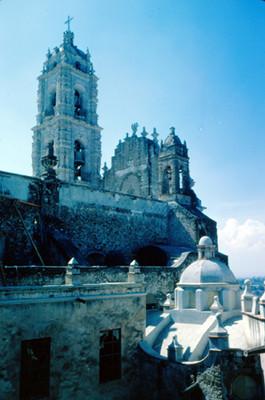 Iglesia de San Francisco Javier campanario, cupula y azotea