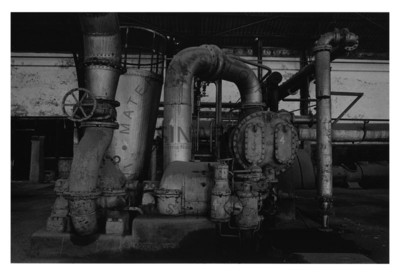 Maquinaria en el interior de instalaciones mineras