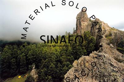 """""""Las ventanas"""" en el parque nacional El Chico"""