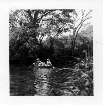 Frei, Arai, Carrnza y cubano en la canoa trágica