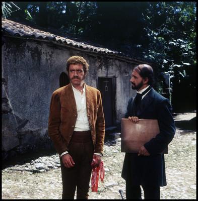 Hugo Stiglitz y Farnesio de Bernal en una escena