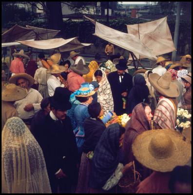 Escena de vida cotidiana en mercado